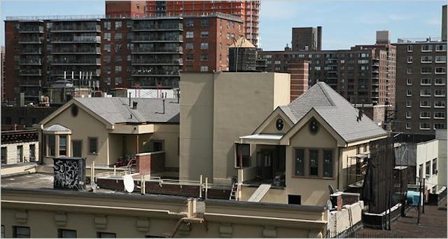 дом на крыше фото 1 (640x341, 150Kb)