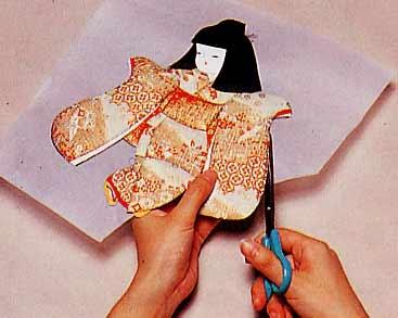 Панно с японскими куклами в технике пэчворка без иголки (15) (367x293, 64Kb)