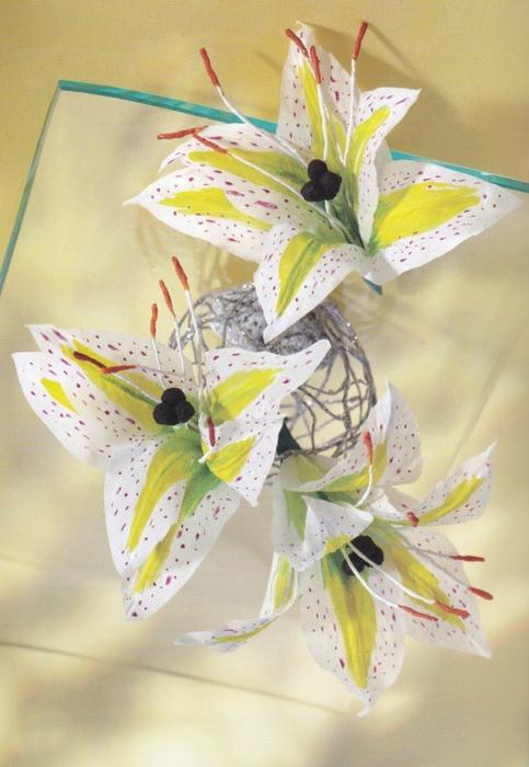 Цветы из креповой (гофрированной) бумаги - журнал (30) (483x700, 250Kb)