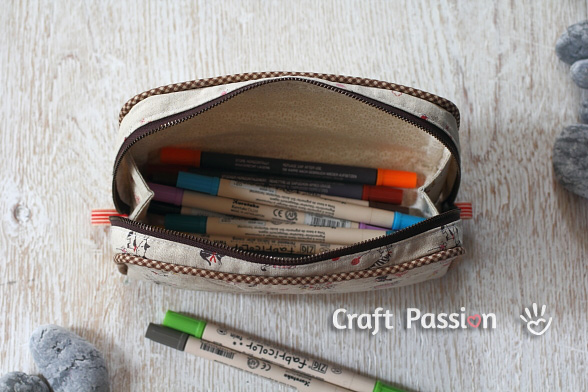 3970145_zipperpencilcase1 (588x392, 105Kb)/3970145_zipperpencilcase2 (588x392, 102Kb)