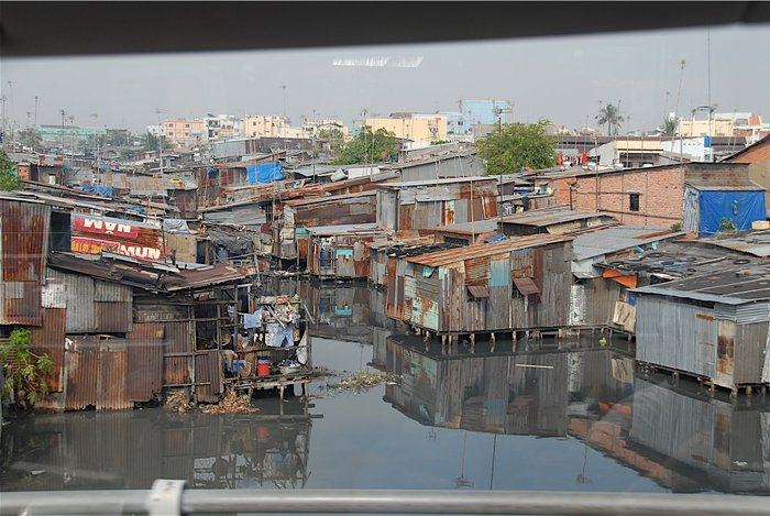 1377865986_slums (700x469, 88Kb)