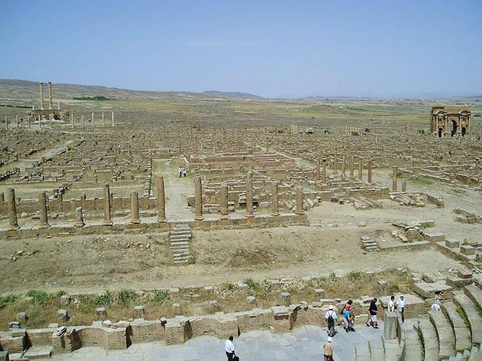 Timgad-panorama (700x525, 362Kb)