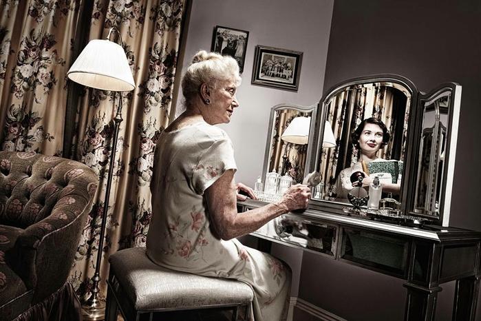 Молодые отражения в зеркале