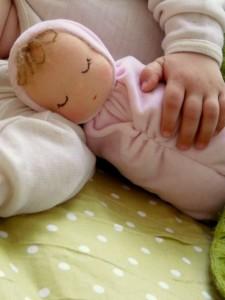Вальдорфская-куколка-в-кроватку-Сплюша2-225x300 (225x300, 17Kb)