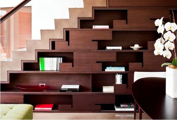 understairs-bookshelf (600x405, 83Kb)