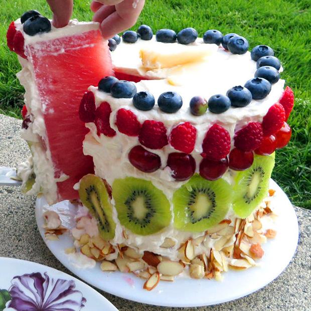 Красивый десертный торт из арбуза! Полезный арбуз!