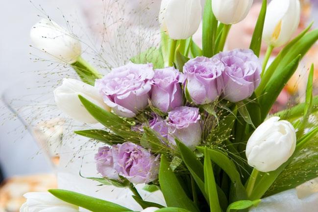 Составление букетов из цветов.