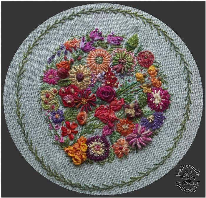 Вышивка розы швом рококо