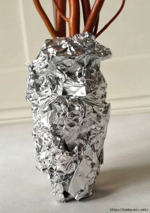 Toilet-Paper-Leaf-Tree-aluminum-foil-holds-branches-together-3460-721x1024 (493x700, 227Kb)