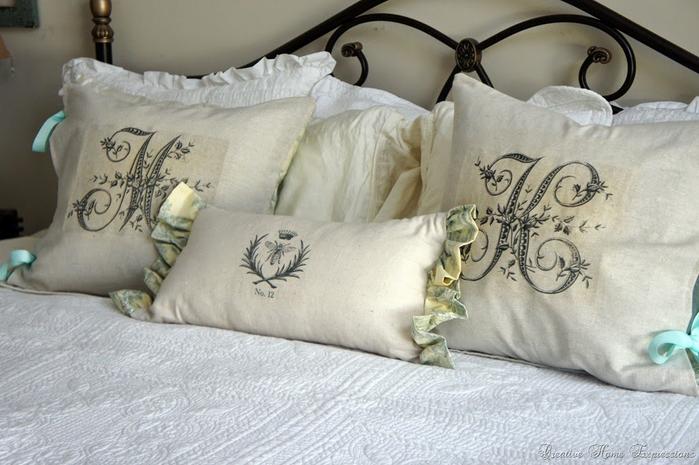 Монограммы на подушках. Шаблоны для переноса на ткань (2) (700x465, 321Kb)