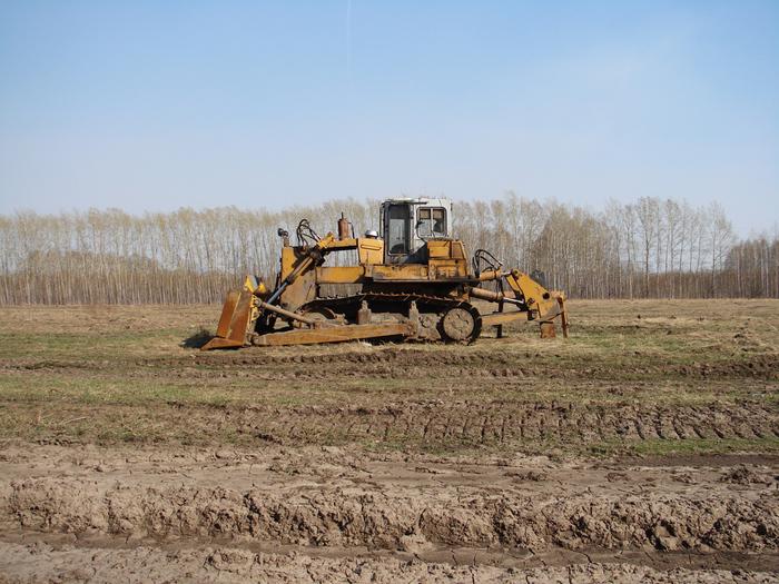 Трактор/1415502_Traktor (700x525, 290Kb)