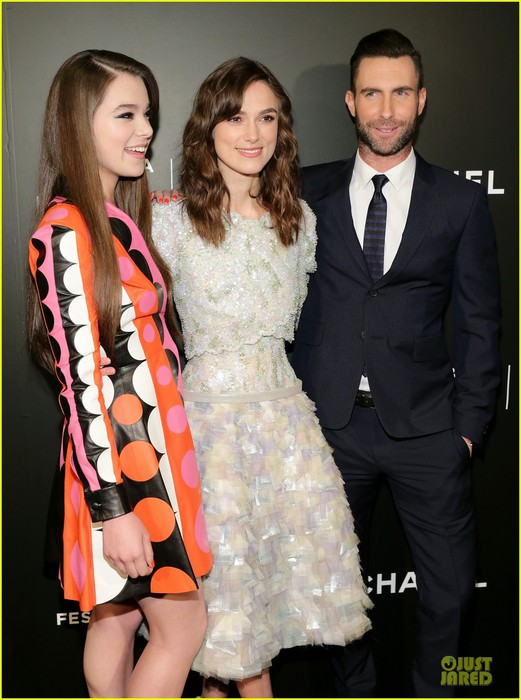 adam-levine-keira-knightley-tell-us-to-begin-again-at-tribeca-02 (521x700, 93Kb)