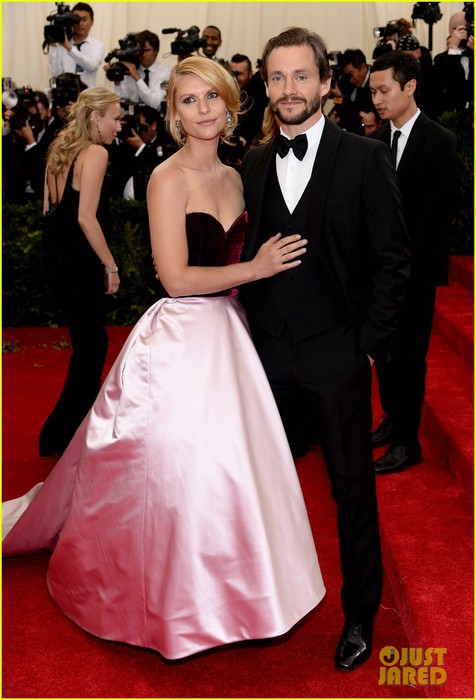 claire-danes-hugh-dancy-are-perfectly-picturesque-at-met-ball-2014-02 (476x700, 79Kb)