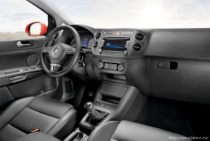 2009-volkswagen-golf-plus-interior1 (700x469, 205Kb)