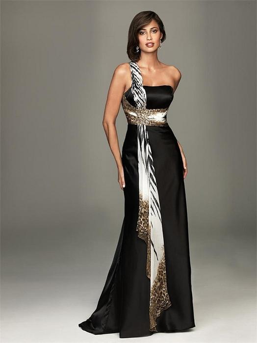 Фото женщина в шикарном платье