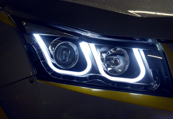 Tuning-Headlight-Angel-eye-volkswagen-style-for-Chevrolet-Cruze-R05-0056-1 (700x485, 625Kb)