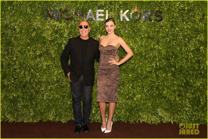 miranda-kerr-travels-to-china-for-michael-kors-store-opening-06 (700x468, 148Kb)