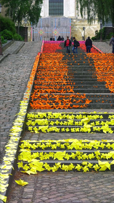 Граффити и Street Art. Самые красивые лестницы и ограды (6) (393x700, 446Kb)