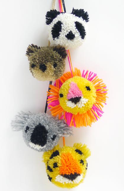 цветы и игрушки из помпонов (3) (419x647, 489Kb)