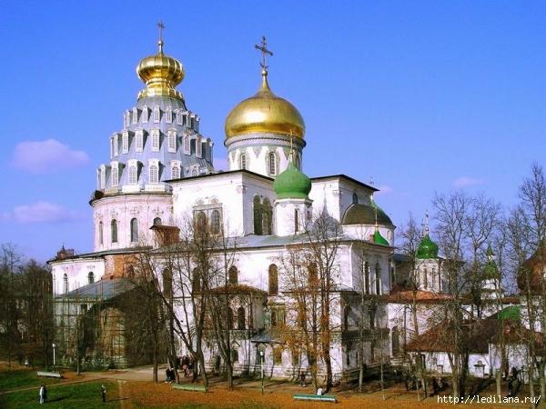 3925311_Voskresenskii_sobor_Novoierysalimskii_monastir (600x450, 240Kb)