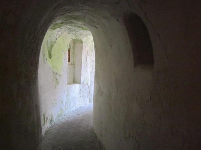 Пещеры Белогорья Костомарово2 (700x525, 189Kb)