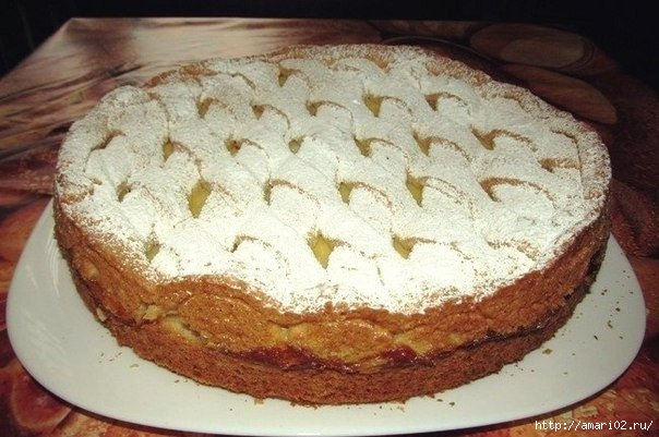 Яблочный песочный пирог с кремом