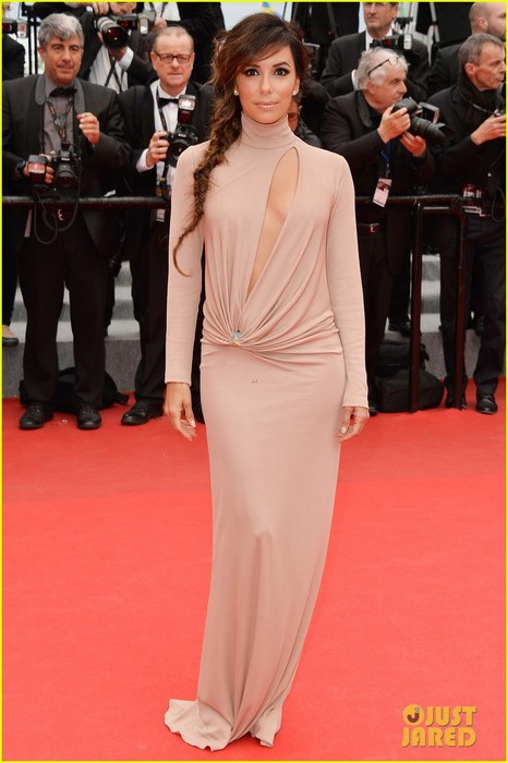 eva-longoria-riley-keough-foxcatcher-cannes-premiere-01 (466x700, 73Kb)