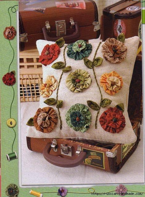 Декор подушки цветами из ткани (1) (470x640, 228Kb)