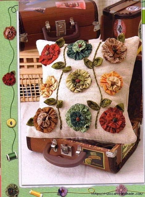 Декор подушки цветами из ткани (5) (470x640, 238Kb)