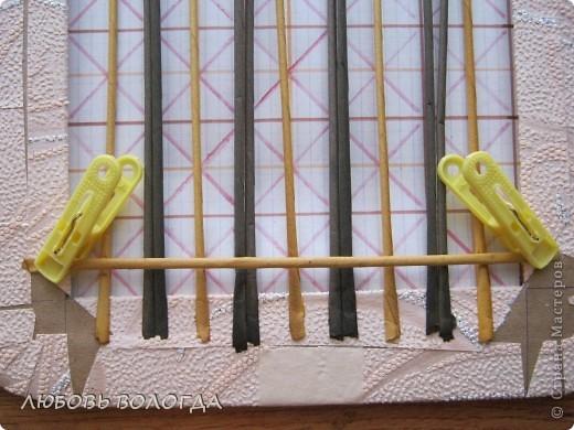 Плетение из газет. Мастер-класс на крышку с цветным узором из трубочек (8) (520x390, 204Kb)