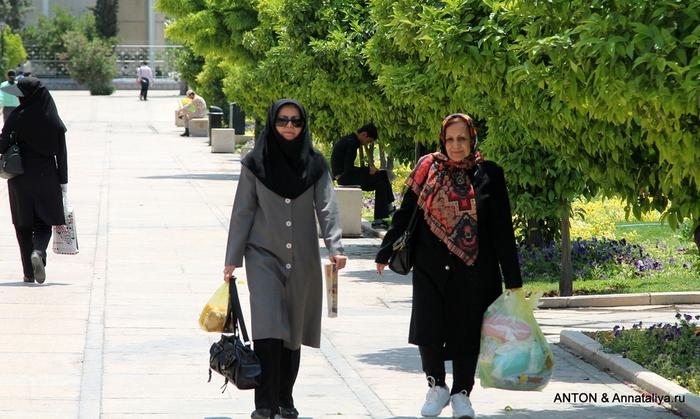 Иранцы. Какие они? IMG_8019 (700x419, 237Kb)