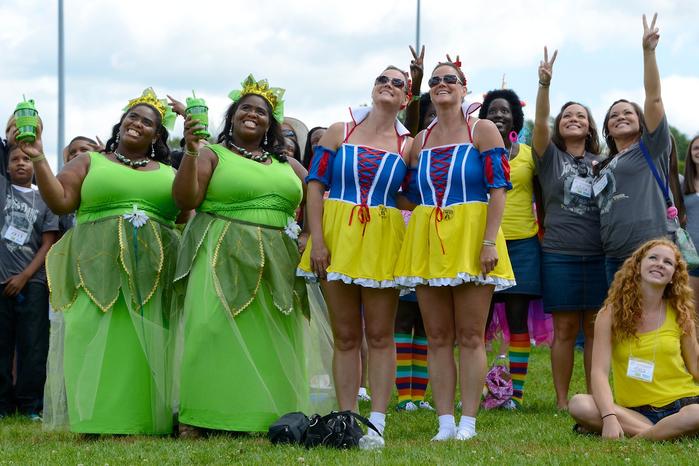 фестиваль близнецов в огайо фото 3 (700x466, 407Kb)
