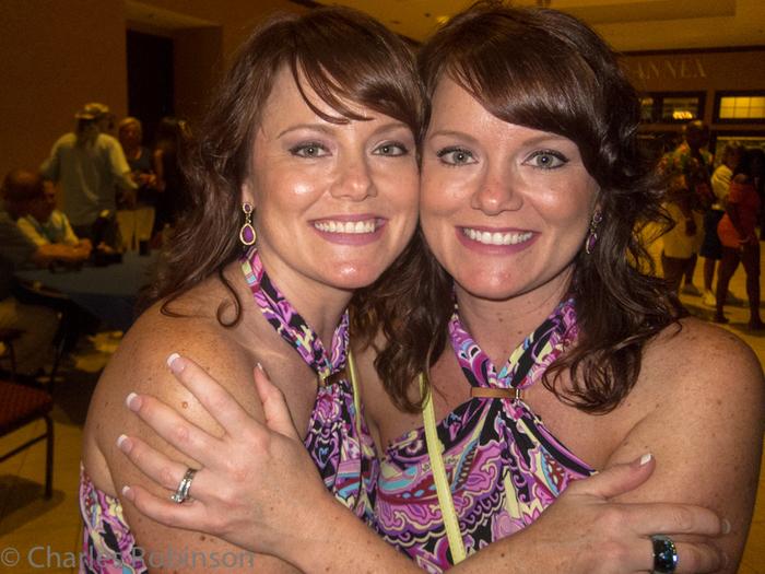 фестиваль близнецов в огайо фото 7 (700x525, 445Kb)