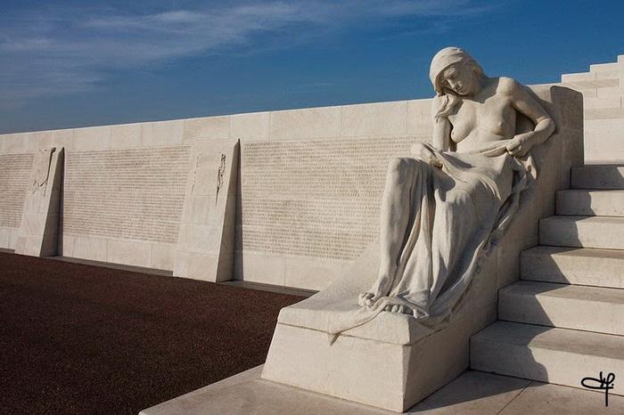 vimy-memorial-5 (700x466, 118Kb)