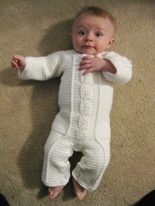 Белый детский комбинезон