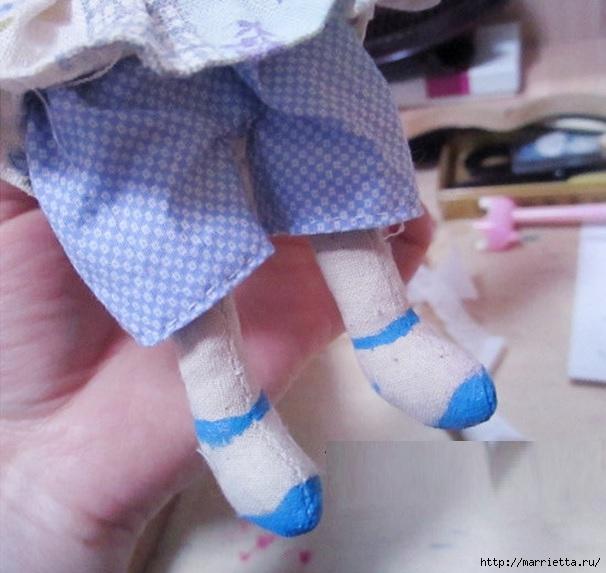 Шьем маленькую куколку. Фото мастер-класс (8) (606x573, 172Kb)