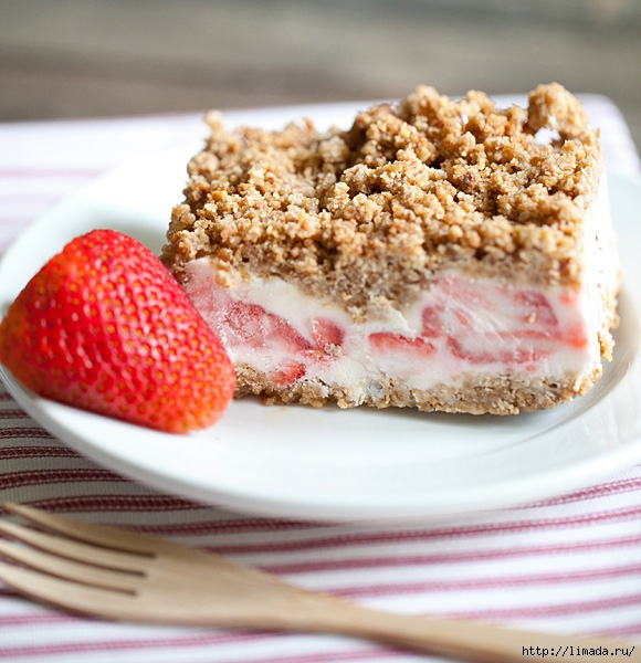 2012-07-31-strawberry-crunch-cake-finished-580w (580x600, 233Kb)