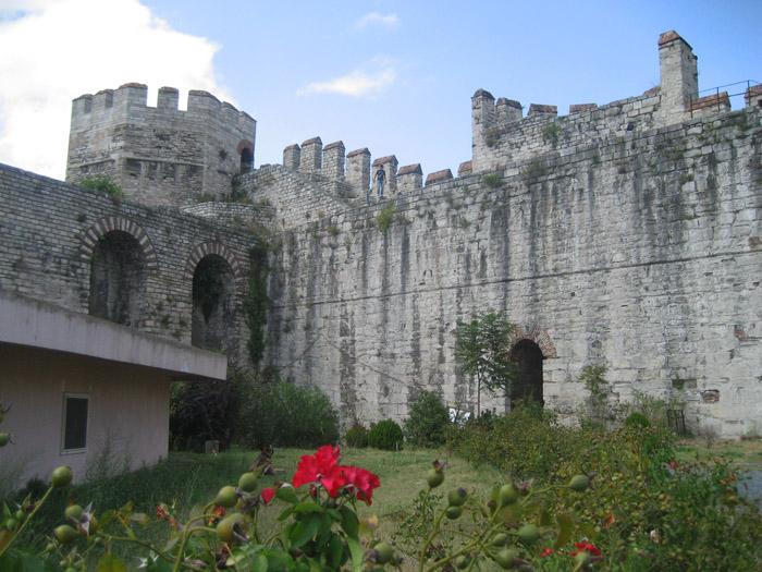 Стены Константинополя Едикуле 05 (700x525, 341Kb)