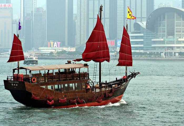 offshore-hk005 (700x478, 46Kb)