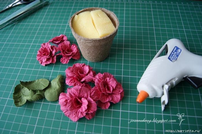 Бумагопластика. Цветочки в торфяных горшочках (2) (700x466, 276Kb)