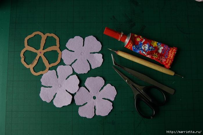 Бумагопластика. Цветочки в торфяных горшочках (11) (700x465, 202Kb)