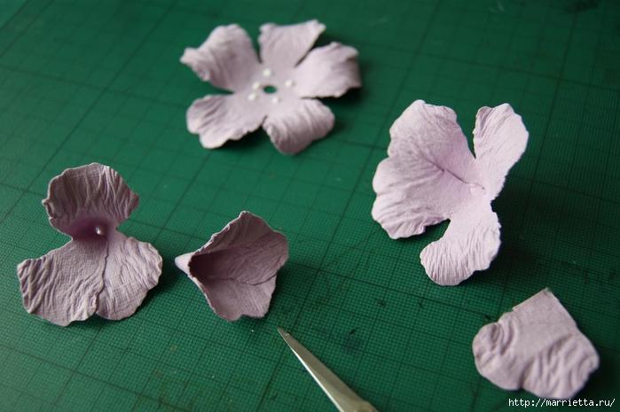 Бумагопластика. Цветочки в торфяных горшочках (16) (700x465, 210Kb)