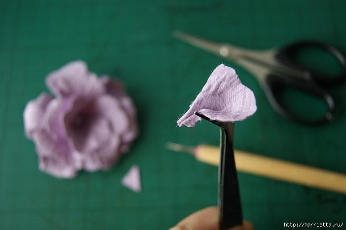 Бумагопластика. Цветочки в торфяных горшочках (23) (700x465, 131Kb)