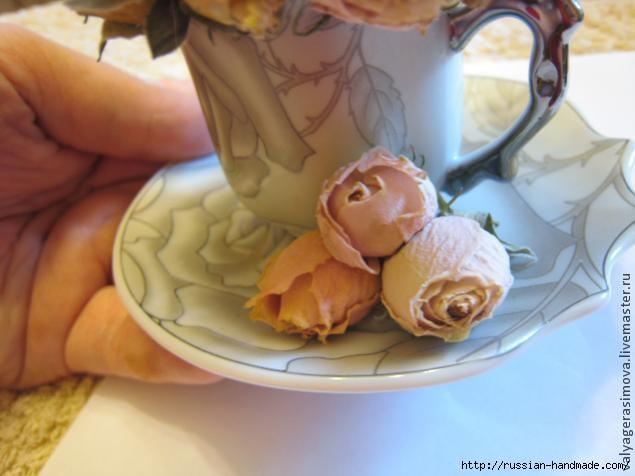 Сувенир ручной работы - БУКЕТИК РОЗ в кофейной чашке (19) (635x476, 120Kb)