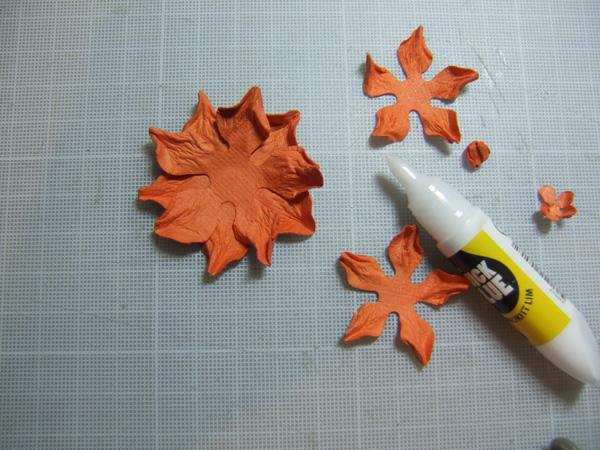 Бумагопластика. Цветы для открыток ручной работы (9) (600x450, 289Kb)