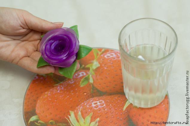 Делаем мыло с объемной розой (19) (635x423, 101Kb)