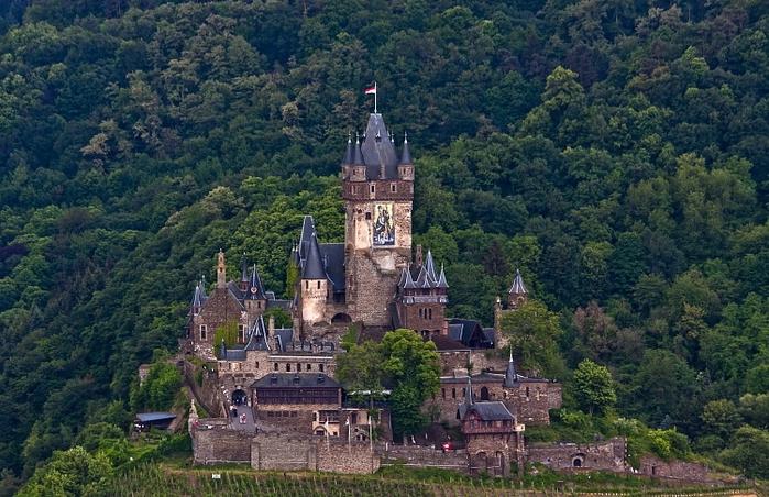 крепость Райхсбург германия фото 2 (700x452, 310Kb)