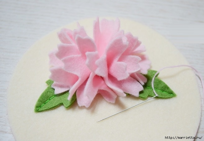Брелок - кошелек с цветком из фетра (12) (656x454, 115Kb)