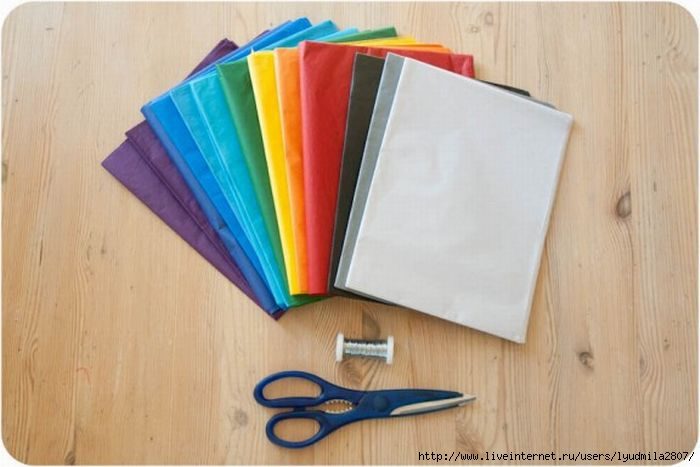 1-2-rainbow-ombre-pom-pom-diy1-576x004 (700x467, 127Kb)