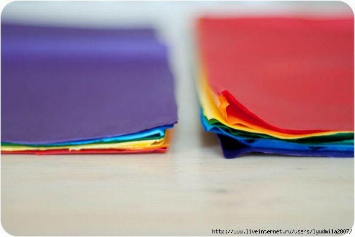 1-3-rainbow-ombre-pom-pom-diy1-576x002 (700x467, 84Kb)